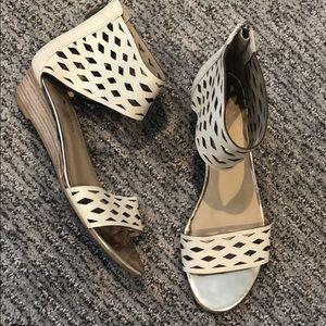 🍍3/$40 when bundled! Franco Satro Sandals